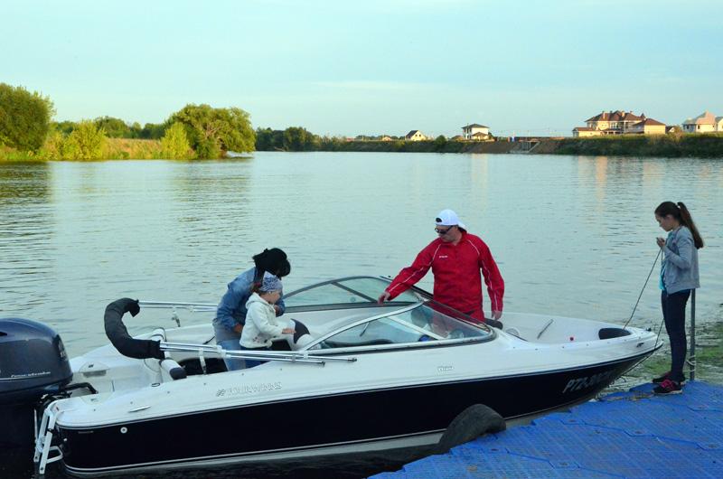 моторная лодка прокат москва